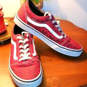 Vans red. And  black shoes size 6